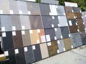 Keramische- en natuursteentegels en gebakken klinkers