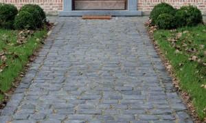 courtstones natural basalt pad